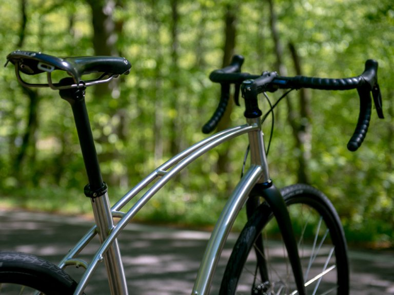 large_budnitz-bicycles_Zero_Ti_BlackLeather_Notch_3000_3x4-5-1.jpg